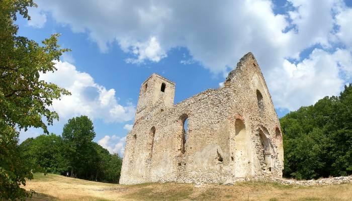 Kostoly a kláštory